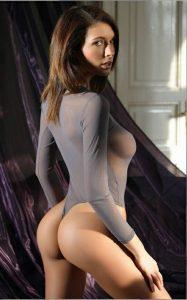 Morena safada com roupa transparente