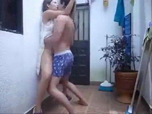 Xvideo incesto comendo prima no banho