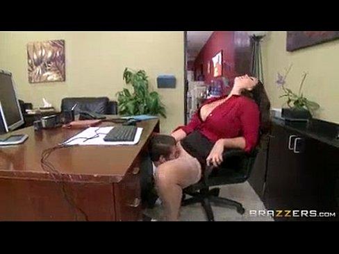 Videos de incesto gratis comendo a mãe gostosona
