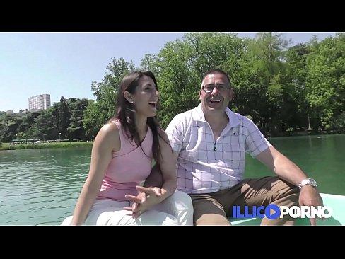 Videos pornos coroa rico comendo novinha