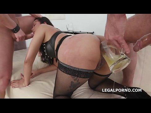 Video porno novinha dando o cu e a buceta