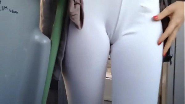 Sexo em público com novinha no ônibus
