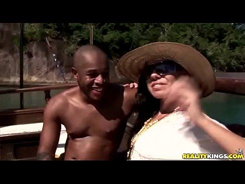 Fabiane Thompson Sexo Gostoso No Barco