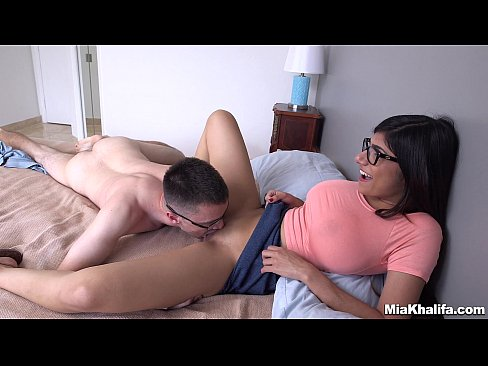 Mia Khalifa Porno Transando Com Um Fã