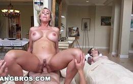 Brandi Love Porn Sexo à Três Na Cama Da Mãe